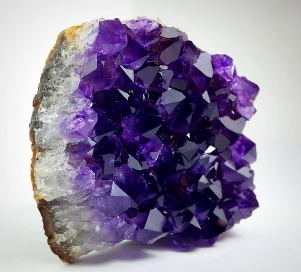 Amatista la gema de la perfecta belleza revista - Piedras preciosas propiedades ...
