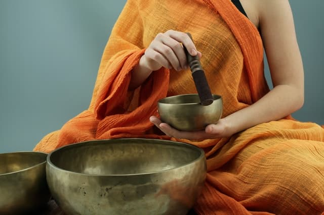 Cuencos tibetanos beneficios de la vibración