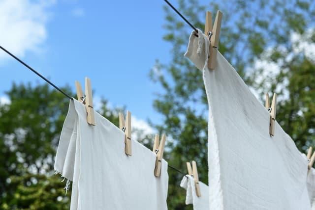 eliminar manchas de aceite de la ropa