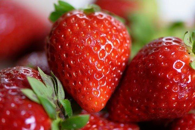 frutas y verduras de color rojo